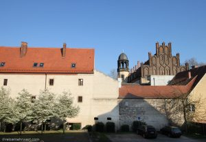 Best Western Stadtpalais Wittenberg: Fensterblick auf das Lutherhaus