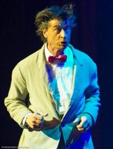 "Roncalli's Apollo Varieté: BERLIN - Wie hast du dir verändert ""Herr Riesling"""