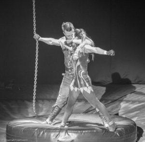 Flic Flac-X-Mas-Show Dortmund 2017: Duo Pavlov (Luftketten)