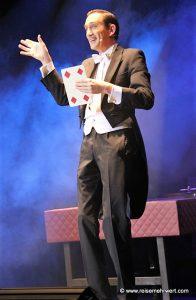 Jorgos Katsaros im Varieté et cetera Bochum: Casino - Alles auf Glück.