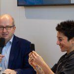 Dunja Hayali und Moderator Alfons Kaiser (FAZ)_Frankfurter Buchmesse 2018