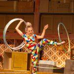 GOP Varieté-Theater Essen_Bang Bang_Becky Priebes lustige Hula Hoop-Show
