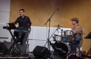 Drums & Keyboard dürfen nicht fehlen_Premiere_No Woman in Kray«