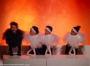 gop-variete-theater-essen_sombra_Mikail Karahan als ›Black Swan‹