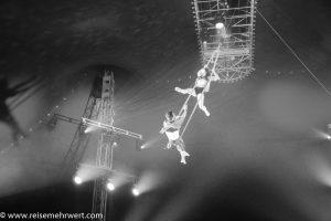 zirkus-charles-knie_gastvorstellung-in-essen_premiere_duo-romance_Adelina-und- Alex-Boldojar-Strapaten