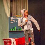 Herr Benedict_Chyr Wheel und Strapaten_premiere_gop-variete-theater-essen_waschsalon