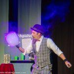 Darren Burrell_Seifenblasenkunst_premiere_gop-variete-theater-essen_waschsalon