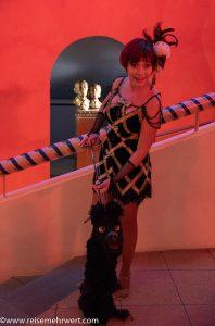 Galina_Hayes_roncallis-apollo-variete_magic-hotel