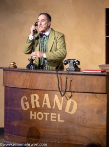 Gilles Le Leuch_gop-variete-theater-essen_grand-hotel