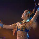 Akrobatin als Thai-Tänzerin_Chinesischer Nationalcircus_Weihnachtscircus Metropole Ruhr_Grugahalle Essen_2019_premiere