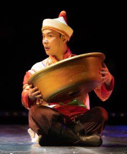 Akrobat_Chinesischer Nationalcircus_Weihnachtscircus Metropole Ruhr_Grugahalle Essen_2019_premiere