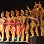 Chinesische Akrobatinnen_Chinesischer Nationalcircus_Weihnachtscircus Metropole Ruhr_Grugahalle Essen_2019_premiere