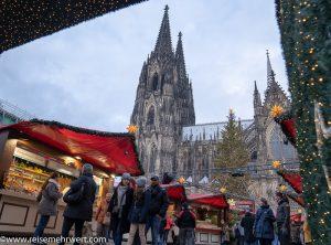 Köln_Weihnachtsmarkt am Dom_adventskreuzfahrt-2019_nicko-cruises_ms-rhein-melodie