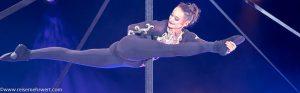 Akrobatin Bénédicte vom Duo Frénésie am Pole-Mast_gelsenkirchener_weihnachtscircus_2019