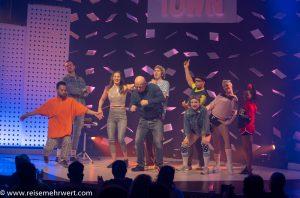 Finale_GOP Varieté-Theater Essen_Funky Town_Premiere