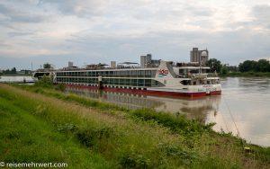 nickovision-flusskreuzfahrt-nicko-cruises-8-tage-rhein-und-main-2021-kehl