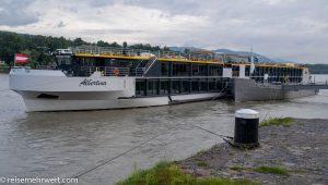 Flusskreuzfahrt-MS-Albertina-2021 - MS Albertina vor Anker in Melk
