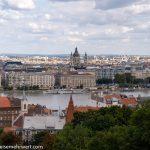 Flusskreuzfahrt-MS-Albertina-2021 - Blick von der Aussichtsterrasse der Fischerbastei auf die St.-Stephans-Basilika auf der Pester Seite