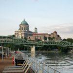 Flusskreuzfahrt-MS-Albertina-2021 - Blick auf die Basilika von Esztergom am Donauknie
