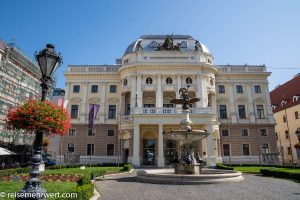 Flusskreuzfahrt-MS-Albertina-2021 - Slowakisches Nationaltheater in Bratislava