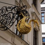 Flusskreuzfahrt-MS-Albertina-2021 - Goldener Drache in Bratislava