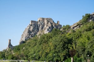 Flusskreuzfahrt-MS-Albertina-2021 - Burg Devin bei Bratislava