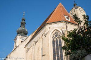 Flusskreuzfahrt-MS-Albertina-2021 - Türme der Minoritenkirche und der Frauenbergkirche in Stein