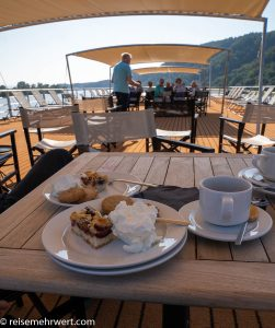 Flusskreuzfahrt-MS-Albertina-2021 - Nachmittagskaffee